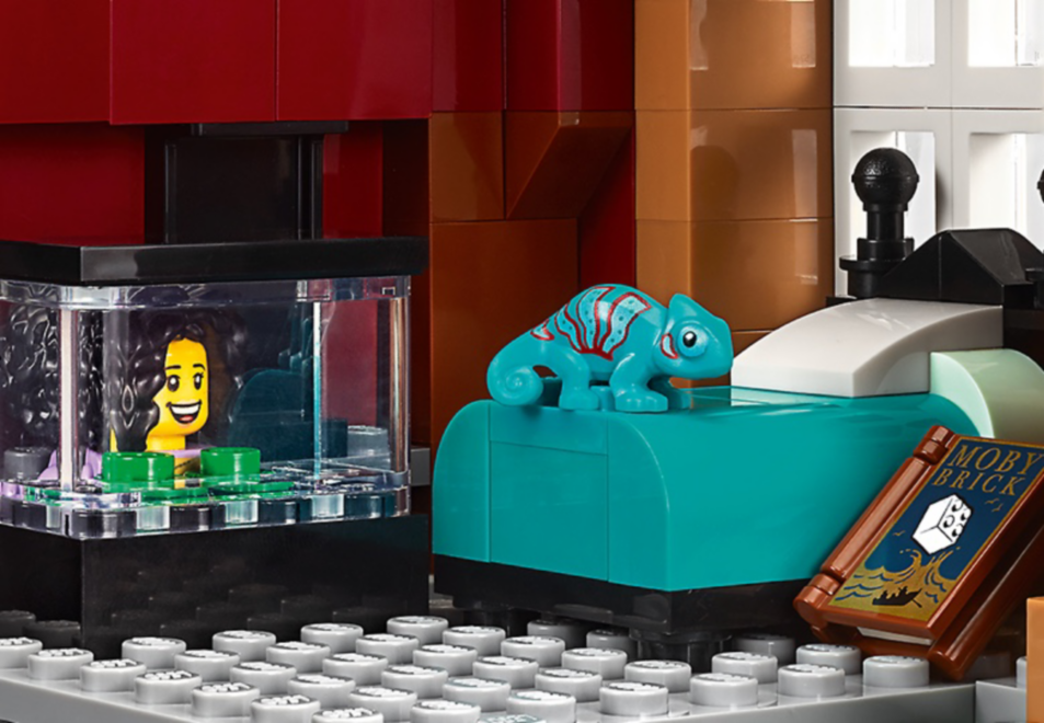 Inside the LEGO Creator Expert Bookshop - Chameleon on bed