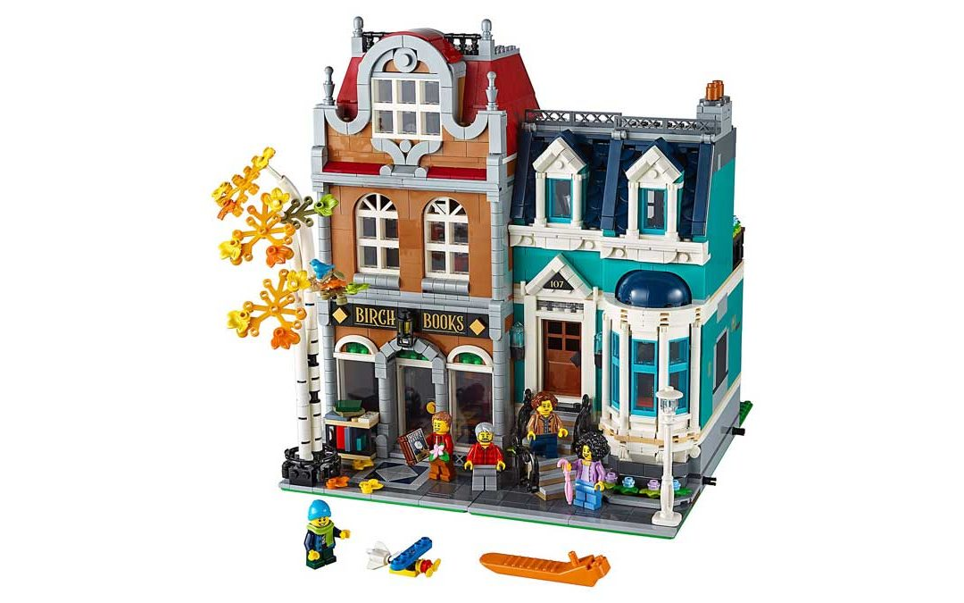 LEGO Releases Modular Bookshop & Townhouse 10270
